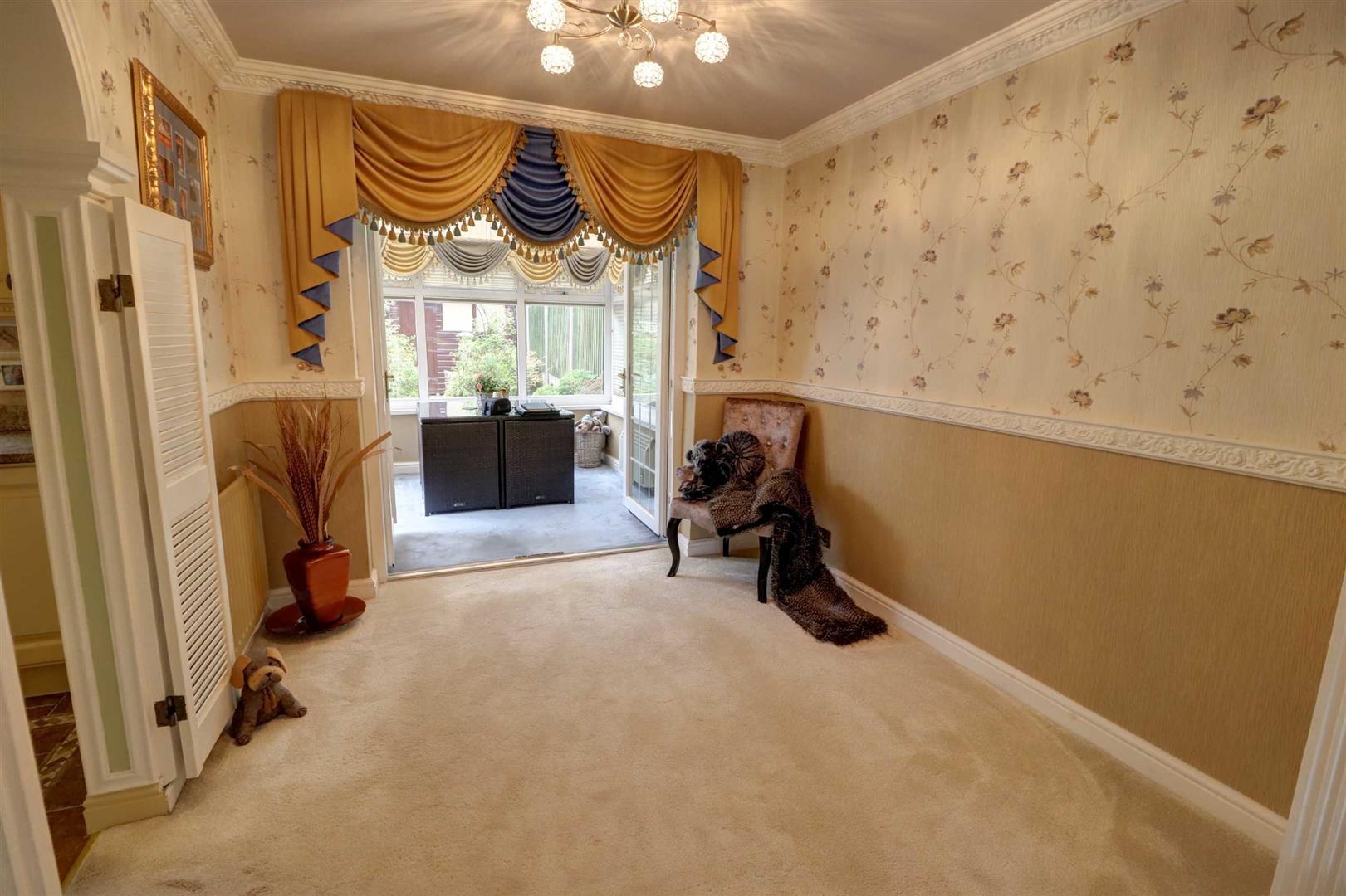 3 Bedroom Detached House For Sale - Image 6